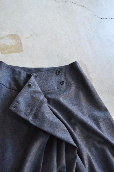 etre Pieds nus/エートル・ピエ・ニュ Sharkskin Wool Flannel Soft Pleats Skirt/スカート